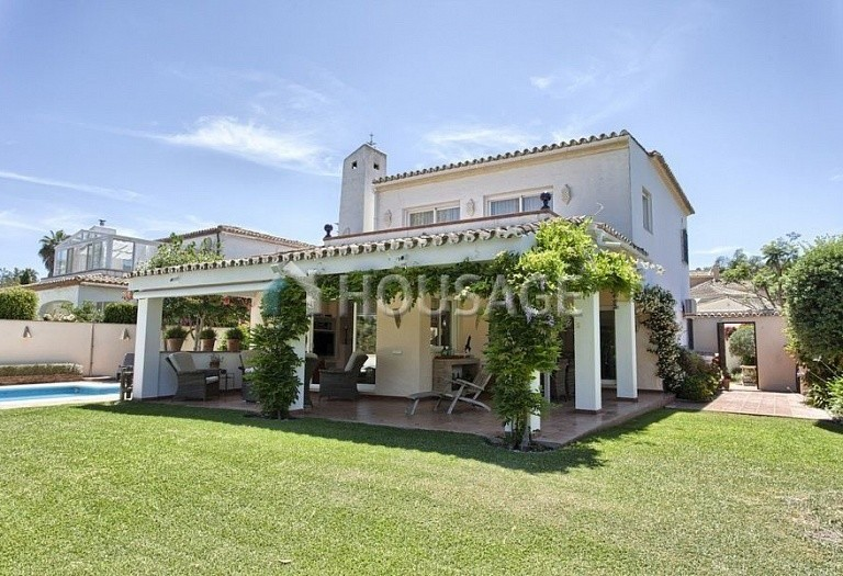 Villa for sale in Nueva Andalucia, Marbella, Spain, 366 m² - photo 4