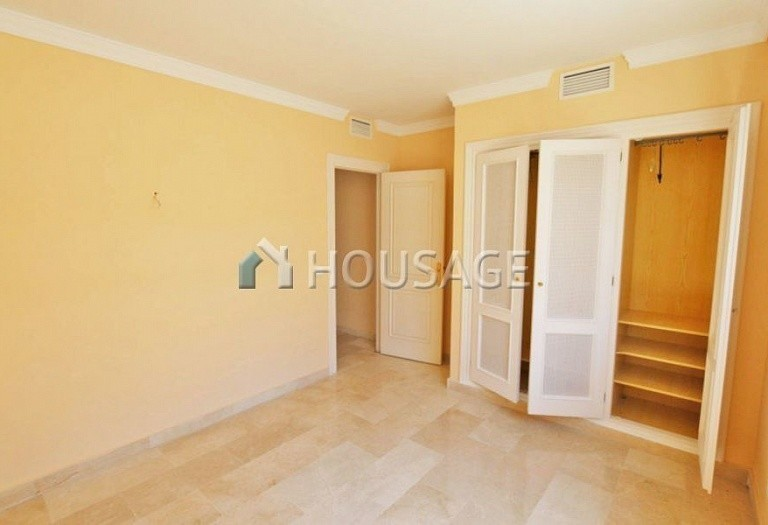 Flat for sale in Nueva Andalucia, Marbella, Spain, 157 m² - photo 10