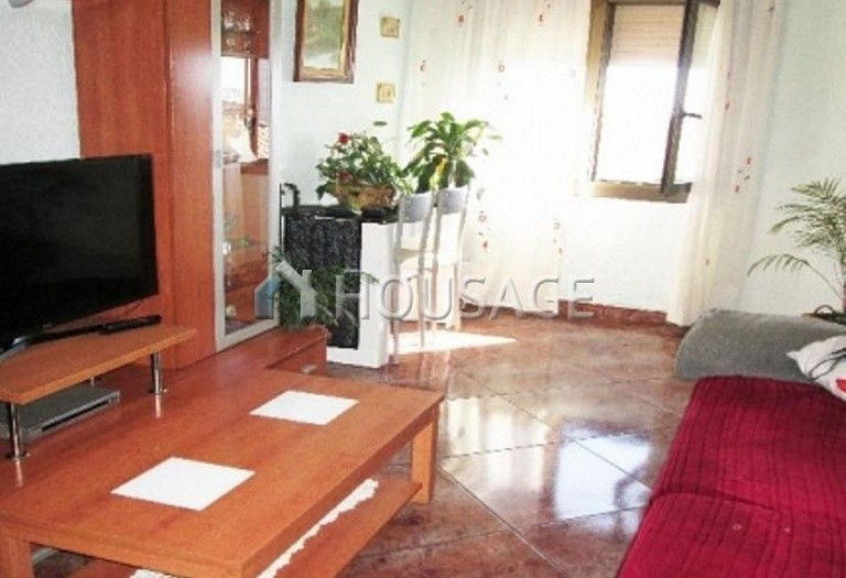 4 bed flat for sale in Hospitalet, Spain, 97 m² - photo 25