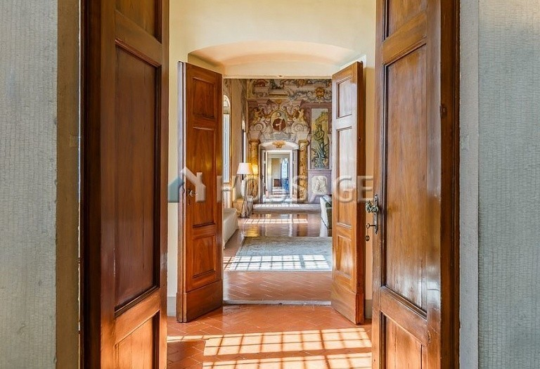 9 bed villa for sale in Florence, Italy, 2800 m² - photo 24