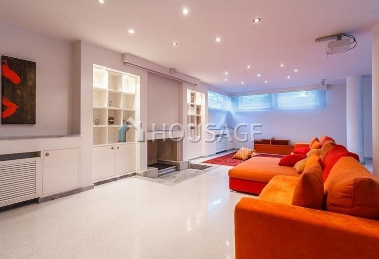 6 bed villa for sale in Forte dei Marmi, Italy, 560 m² - photo 17