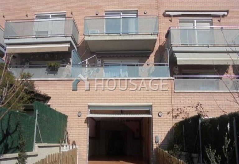 4 bed townhouse for sale in Barcelona, Spain, 216 m² - photo 1