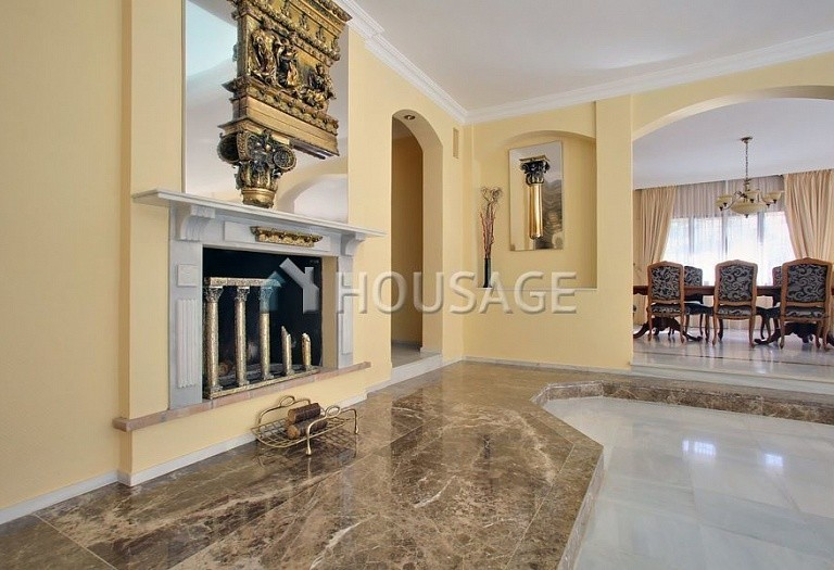 Villa for sale in Nueva Andalucia, Marbella, Spain, 850 m² - photo 6