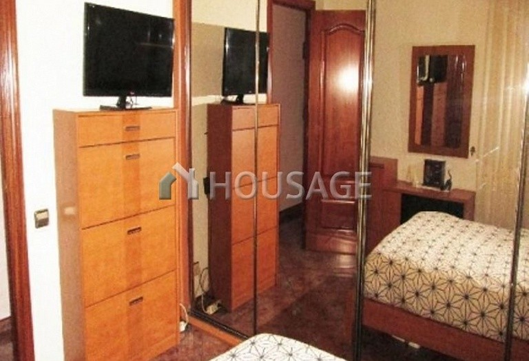 4 bed flat for sale in Hospitalet, Spain, 97 m² - photo 13