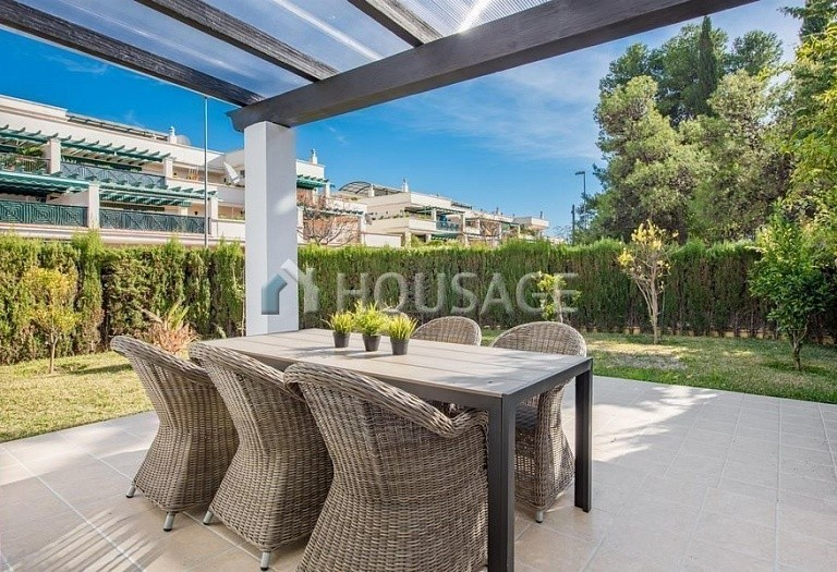 Townhouse for sale in Nueva Andalucia, Marbella, Spain, 392 m² - photo 2