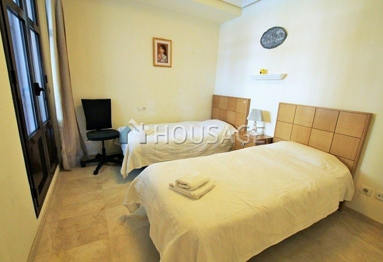 Apartment for sale in Puerto Banus, Marbella, Spain, 151 m² - photo 9