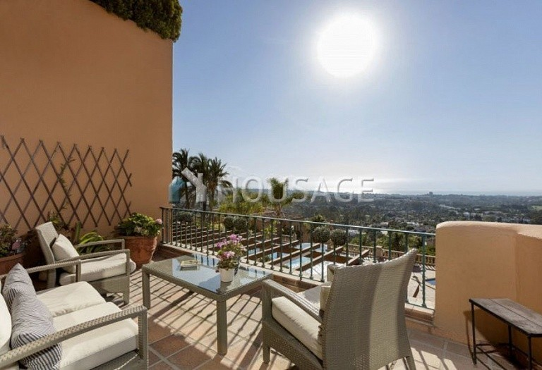 Townhouse for sale in Nueva Andalucia, Marbella, Spain, 324 m² - photo 19