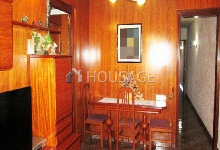 4 bed flat for sale in Hospitalet, Spain, 97 m² - photo 15