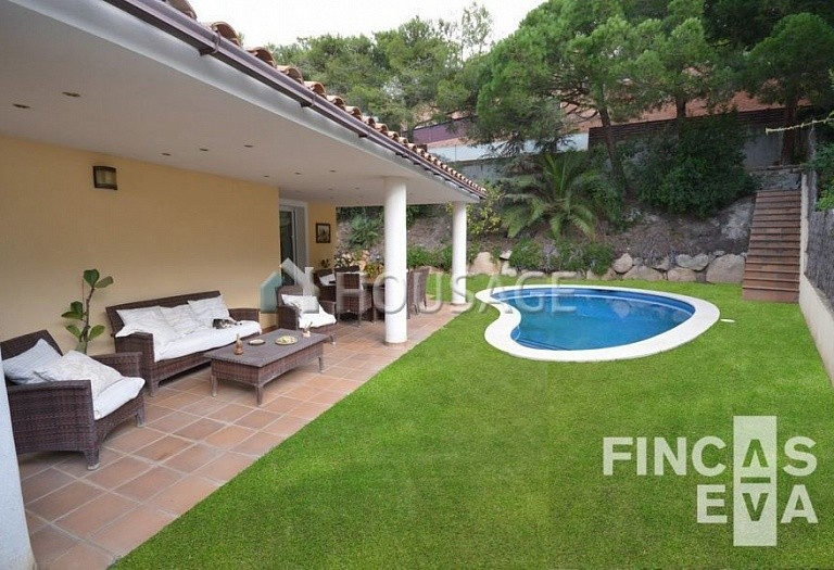 5 bed villa for sale in Premia de Dalt, Spain, 438 m² - photo 3