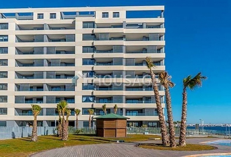 3 bed flat for sale in Torrevieja, Spain, 97 m² - photo 2