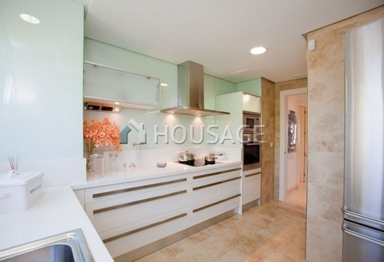 Flat for sale in Nueva Andalucia, Marbella, Spain, 223 m² - photo 4