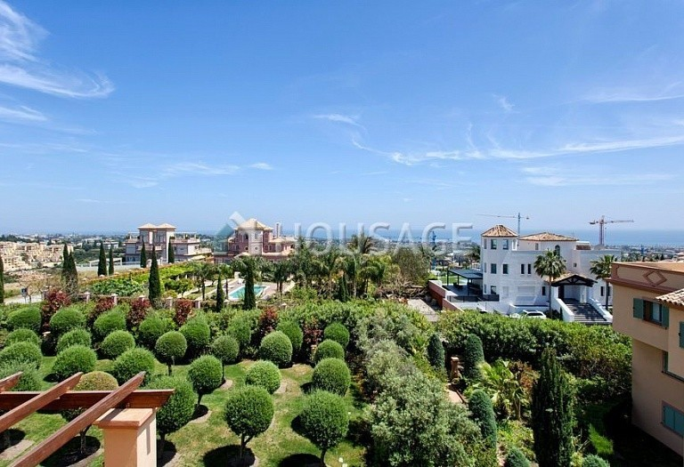 Flat for sale in Los Flamingos, Benahavis, Spain, 300 m² - photo 2