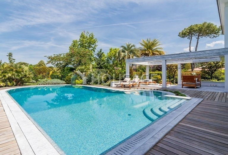 6 bed villa for sale in Forte dei Marmi, Italy, 560 m² - photo 8