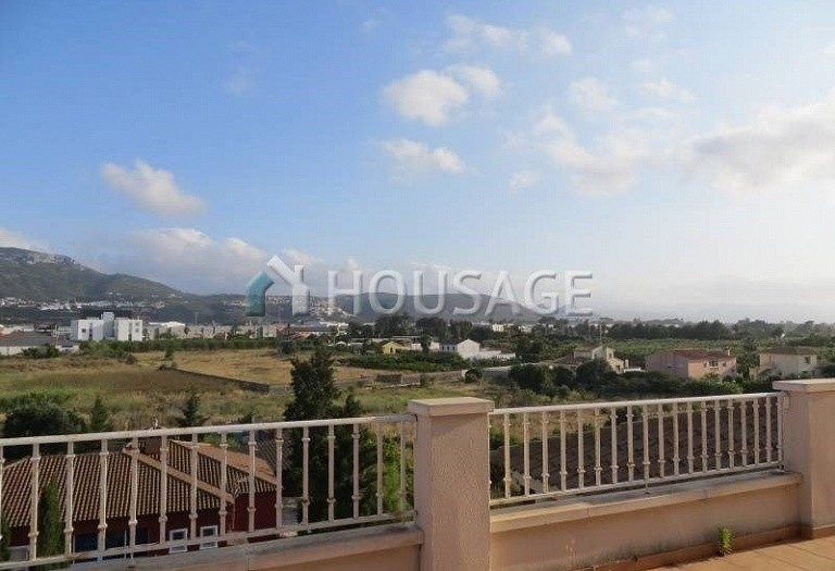 3 bed apartment for sale in Denia, Spain - photo 1