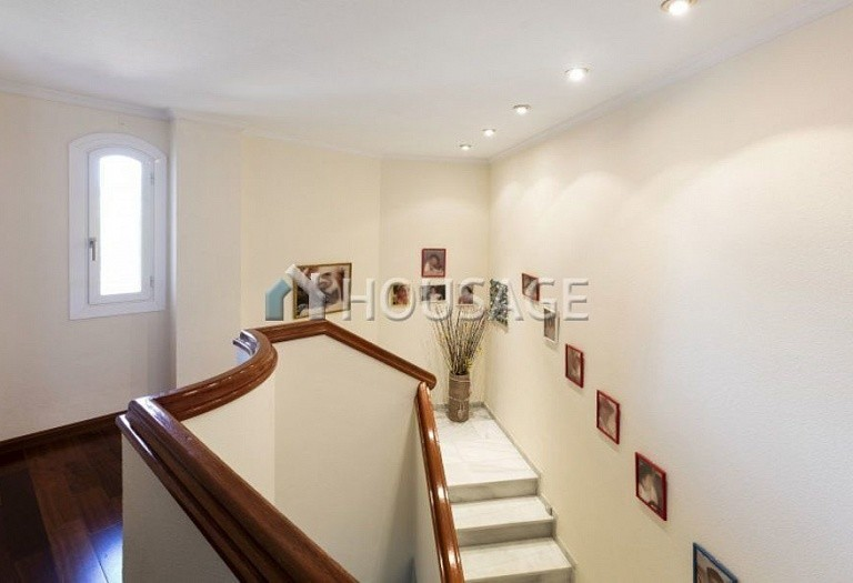 Townhouse for sale in Nueva Andalucia, Marbella, Spain, 324 m² - photo 16