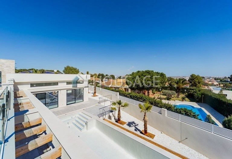 4 bed villa for sale in Torrevieja, Spain, 285 m² - photo 15