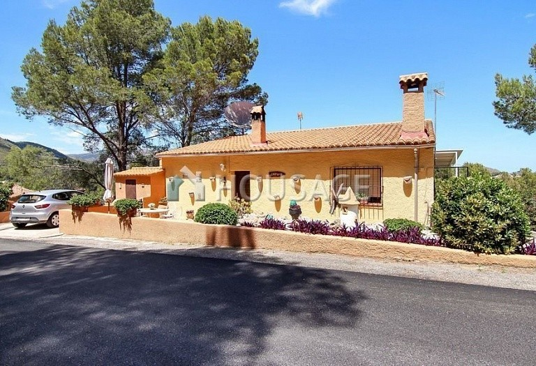 3 bed villa for sale in Jalón, Spain, 210 m² - photo 1