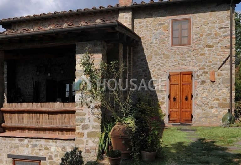 5 bed villa for sale in Lucca, Italy, 305 m² - photo 4