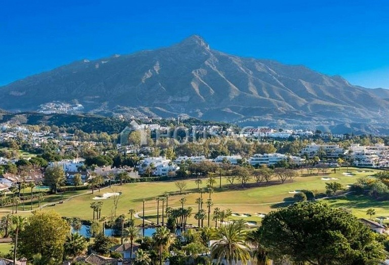 Apartment for sale in Nueva Andalucia, Marbella, Spain, 127 m² - photo 1