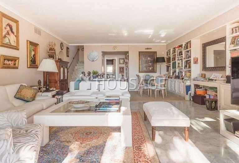 Flat for sale in Marbella Golden Mile, Marbella, Spain, 215 m² - photo 2