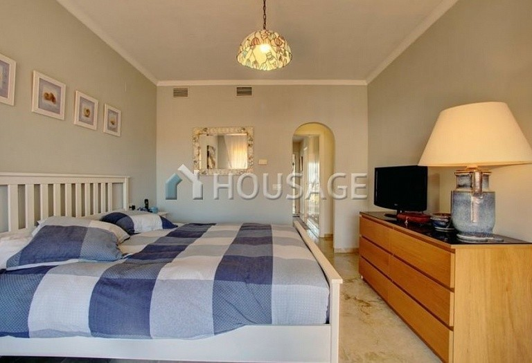 Townhouse for sale in Nagueles, Marbella, Spain, 475 m² - photo 12