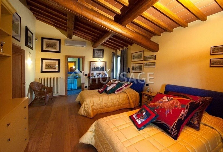 4 bed villa for sale in Florence, Italy, 500 m² - photo 3