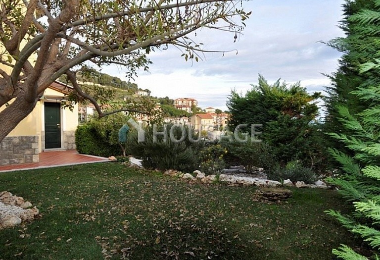 4 bed villa for sale in Cipressa, Italy, 210 m² - photo 3