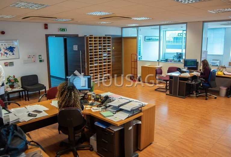 Office building for sale in Linopetra, Limassol, Cyprus, 809 m² - photo 7