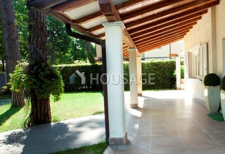 4 bed villa for sale in Forte dei Marmi, Italy, 220 m² - photo 4
