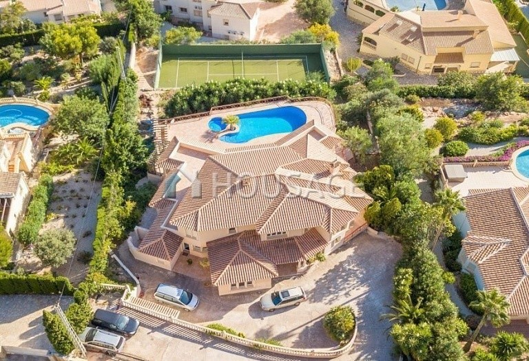 7 bed villa for sale in Javea, Spain, 685 m² - photo 2