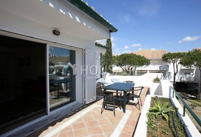 Flat for sale in New Golden Mile, Estepona, Spain, 196 m² - photo 17