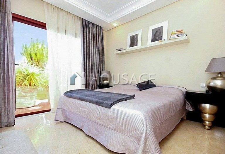 Flat for sale in Puerto Banus, Marbella, Spain, 162 m² - photo 3