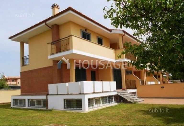 3 bed townhouse for sale in Anzio, Italy, 160 m² - photo 1