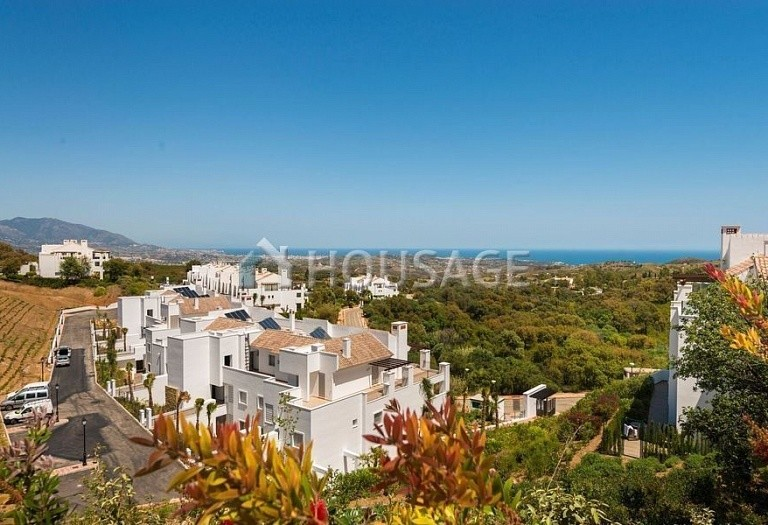 2 bed apartment for sale in Marbella, Spain, 84 m² - photo 2