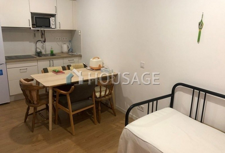 4 bed flat for sale in Gothic Quarter, Barcelona, Spain, 121 m² - photo 2