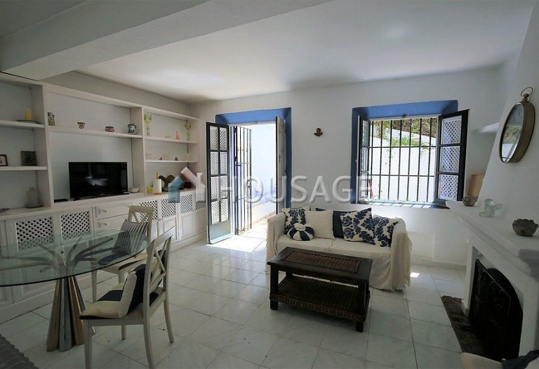 Townhouse for sale in Marbella Golden Mile, Marbella, Spain, 90 m² - photo 2