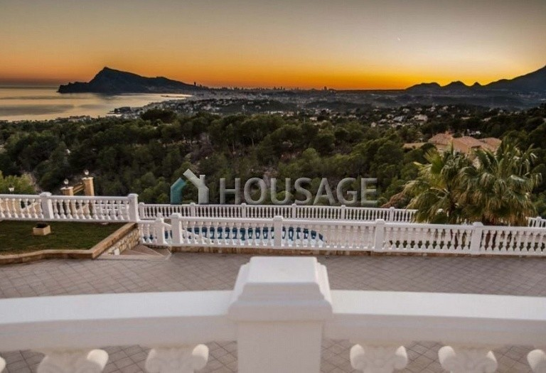 8 bed villa for sale in Altea, Spain, 828 m² - photo 1