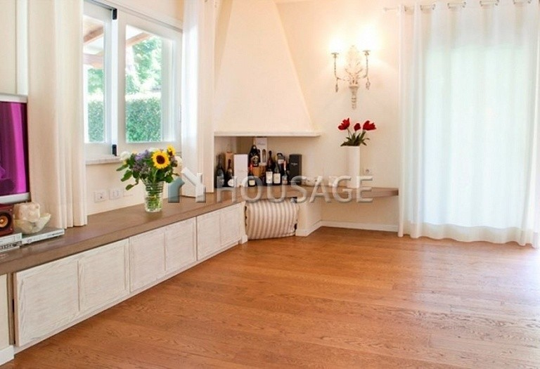 4 bed villa for sale in Forte dei Marmi, Italy, 220 m² - photo 10