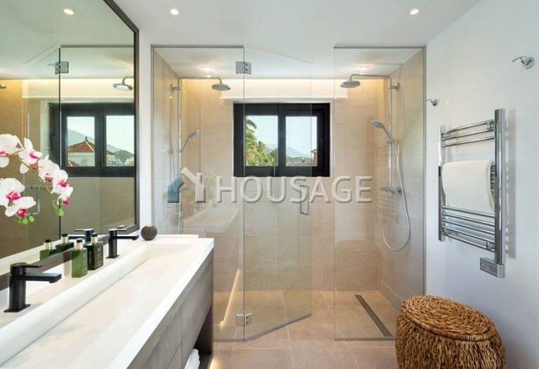 Villa for sale in Nueva Andalucia, Marbella, Spain, 263 m² - photo 12