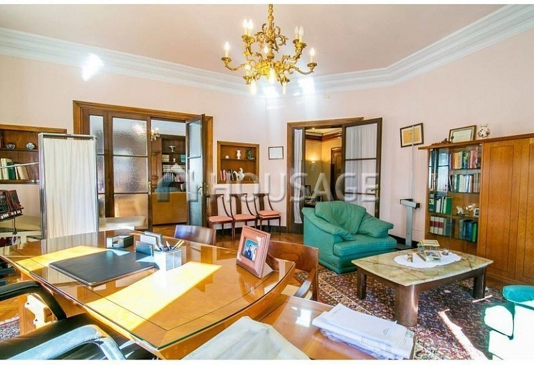 10 bed flat for sale in Barcelona, Spain, 425 m² - photo 13