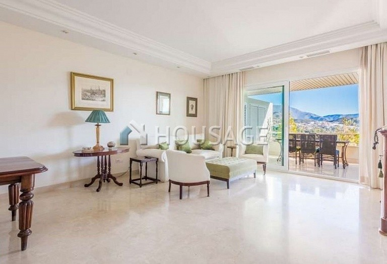 Apartment for sale in Nueva Andalucia, Marbella, Spain, 127 m² - photo 2
