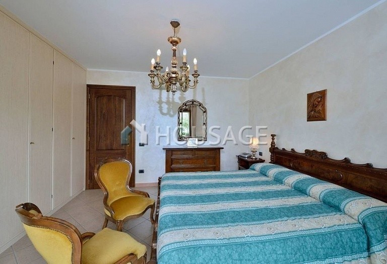6 bed villa for sale in Diano Marina, Italy, 350 m² - photo 10