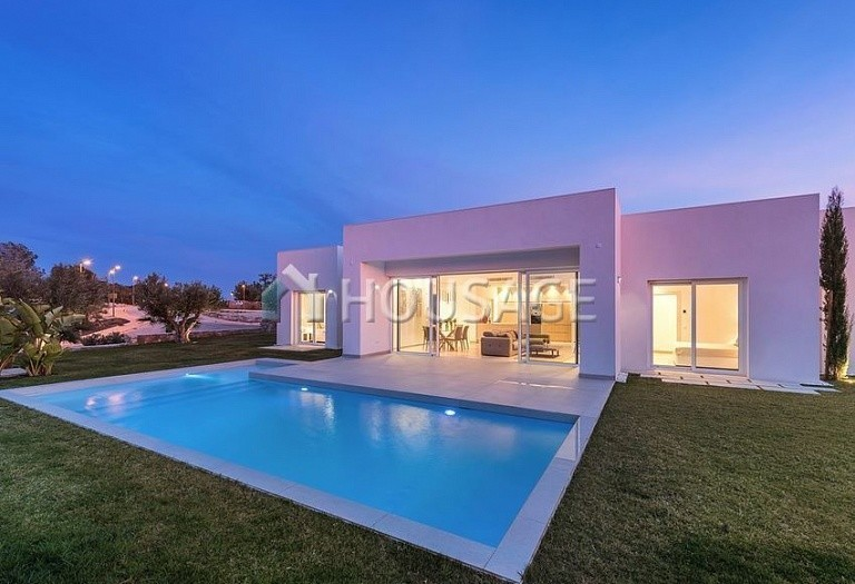 3 bed villa for sale in Orihuela, Spain, 239 m² - photo 4