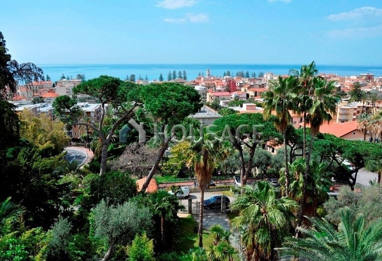 3 bed flat for sale in Bordighera, Italy, 205 m² - photo 27