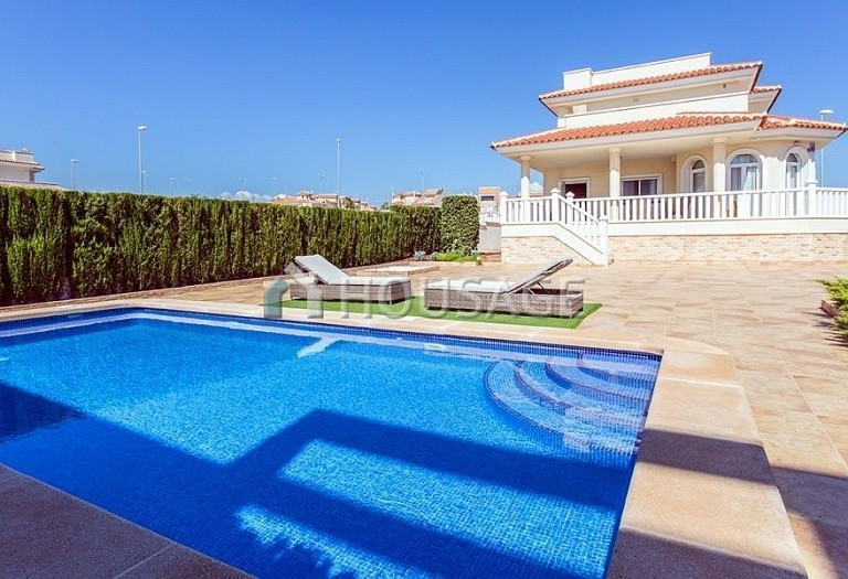 3 bed villa for sale in Rojales, Spain, 195 m² - photo 17