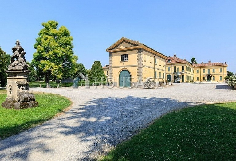 Villa for sale in Milan, Italy, 8000 m² - photo 14