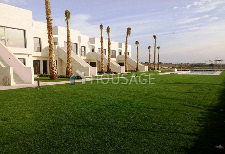 2 bed a house for sale in Pilar de la Horadada, Spain, 70 m² - photo 3