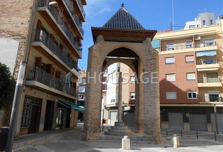 A house for sale in Mislata, Spain, 291 m² - photo 17