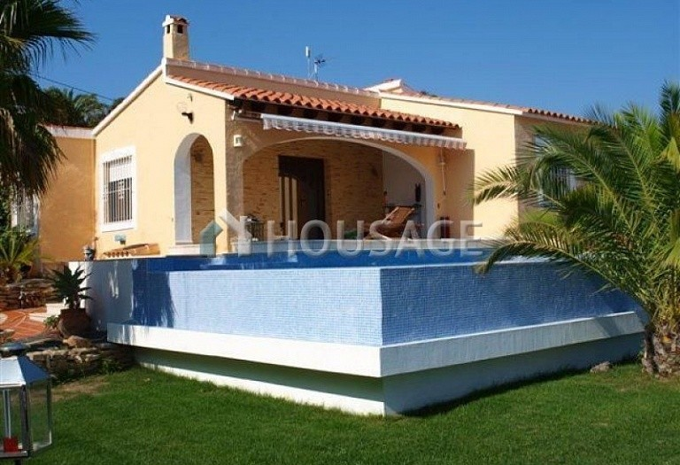 3 bed villa for sale in Calpe, Calpe, Spain - photo 2