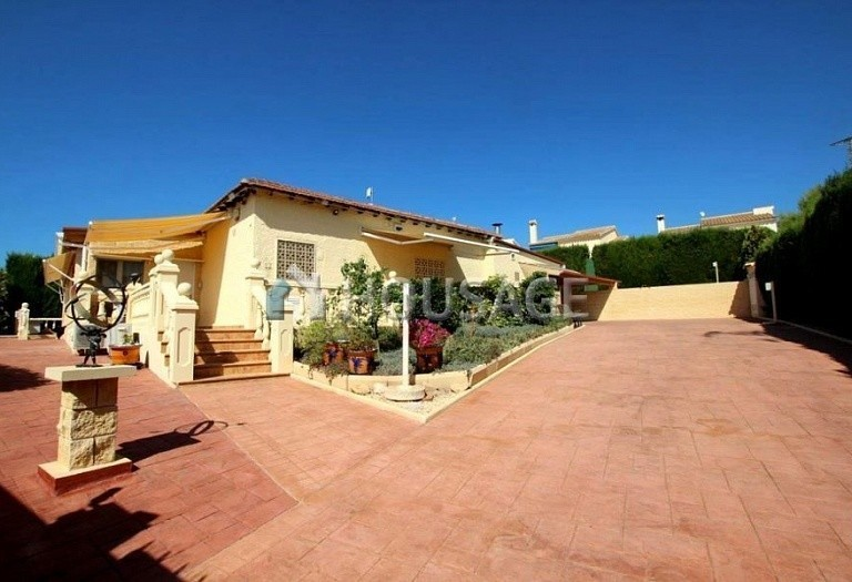 2 bed villa for sale in La Nucia, Spain, 190 m² - photo 1
